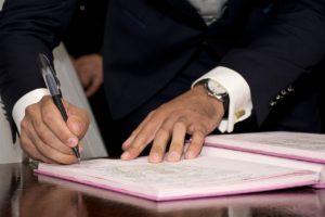 Quel est le rôle de l'avocat de l'acquéreur dans une transaction immobilière?