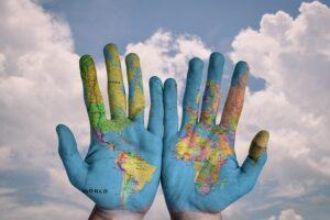 Résidence fiscale et nationalité : quelles différences lors d'une transaction immobilière ?